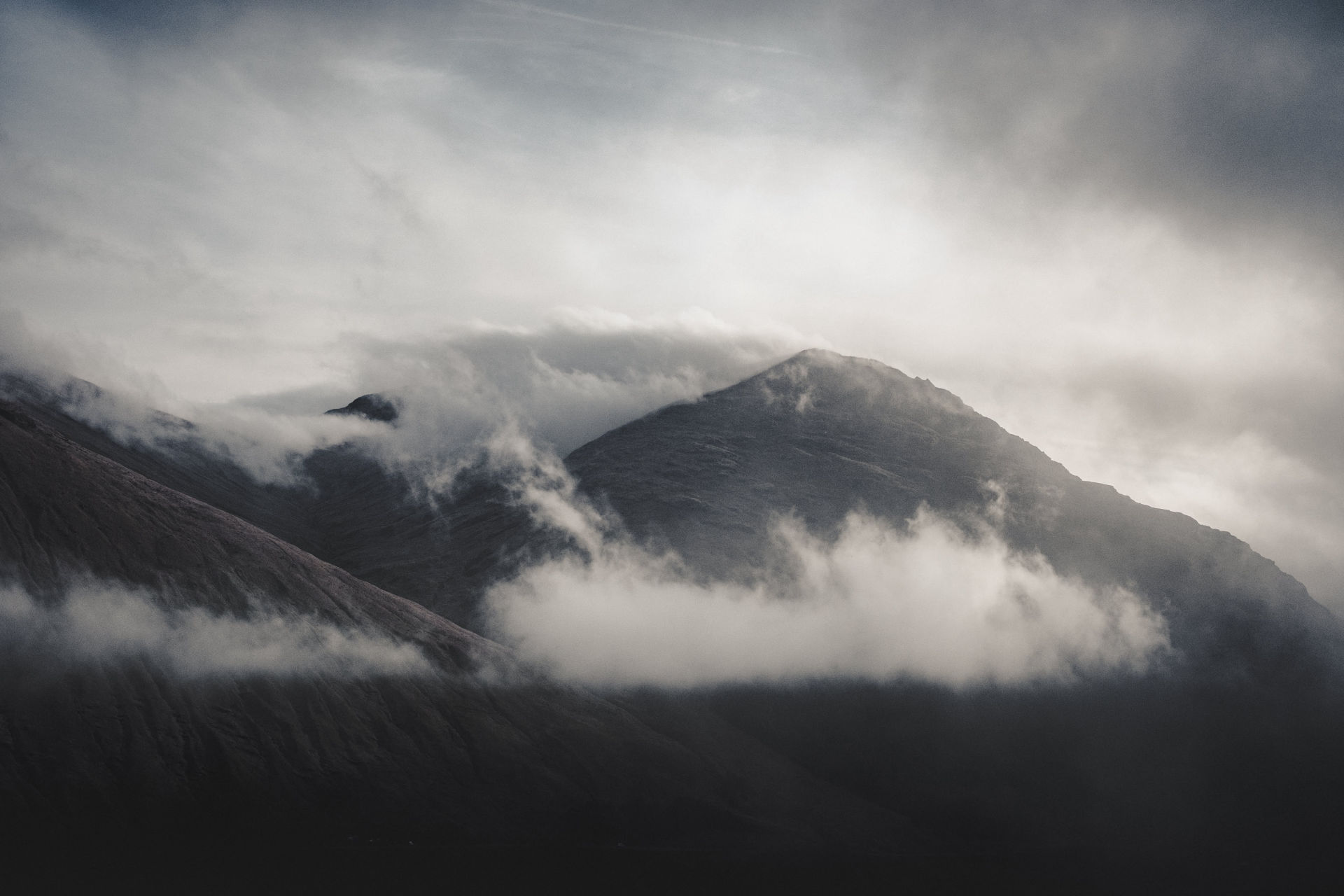 Clouds around The Cobbler