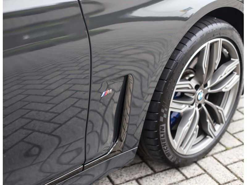 BMW 7 Serie M760Li xDrive *Dravit grey*Executive seats*Sky Lounge*Full option* afbeelding 16