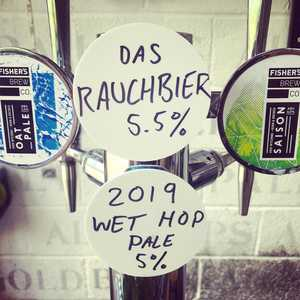 Couple of new beers sneaking their way onto the bar today. A 5.5% smoked German lager and the pale from the freshly harvested hops. Both Very different. Both Very exciting. #newbeertuesday #rauchbier #oktoberfest #wethop #paleale