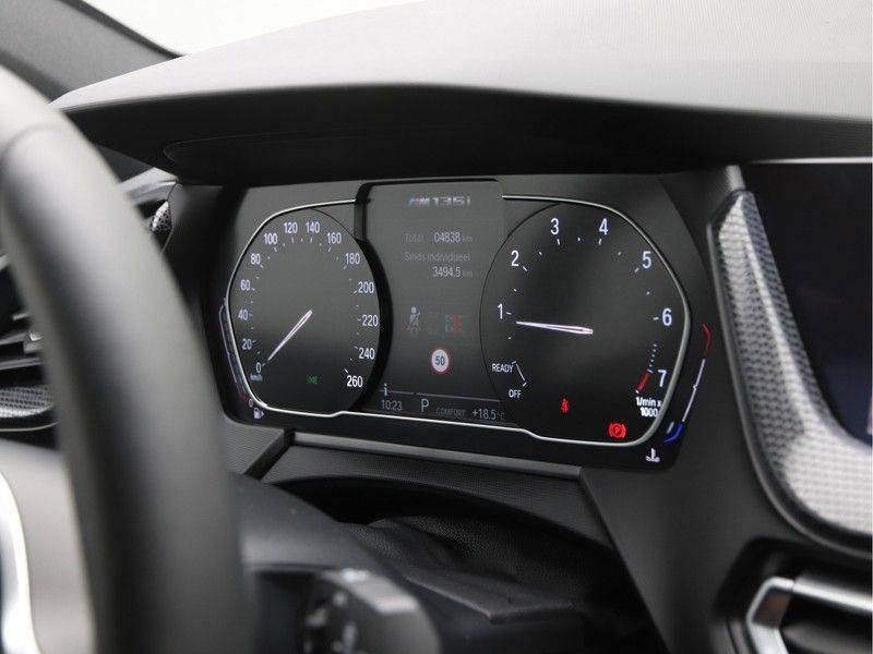 BMW 1 Serie M135i xDrive High Executive afbeelding 3