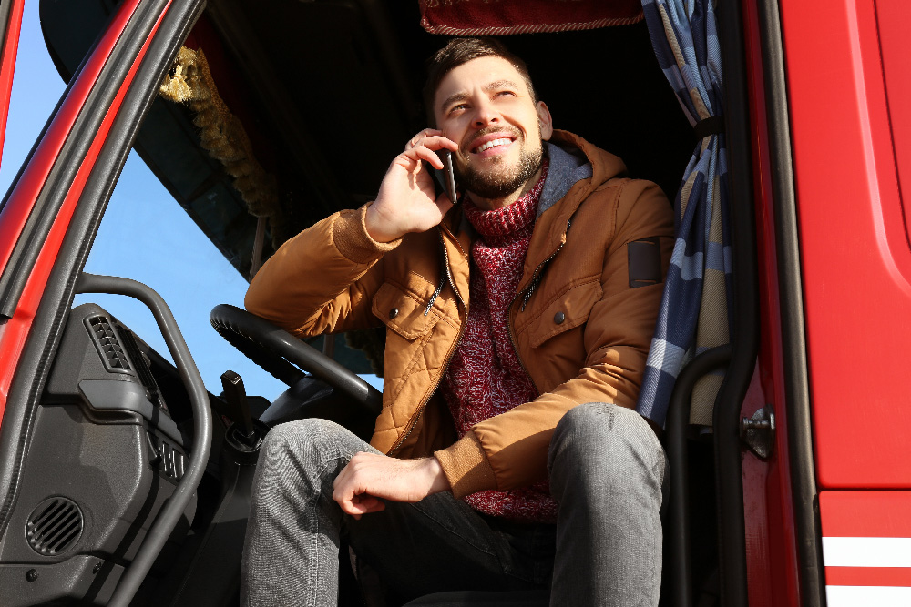 truck-driver-on-cell-phone
