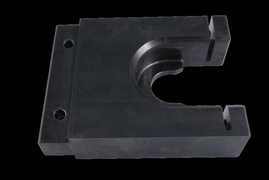 Uchwyt ze stali czarnej frezowanej na potrzeby stanowiska montażowego