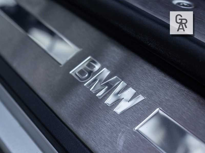 BMW Z8 | Rood leder | Origineel | Concours staat afbeelding 11