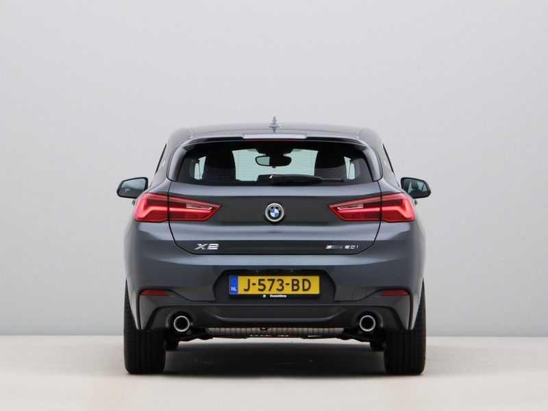 BMW X2 sDrive20i High Exe Aut. afbeelding 9