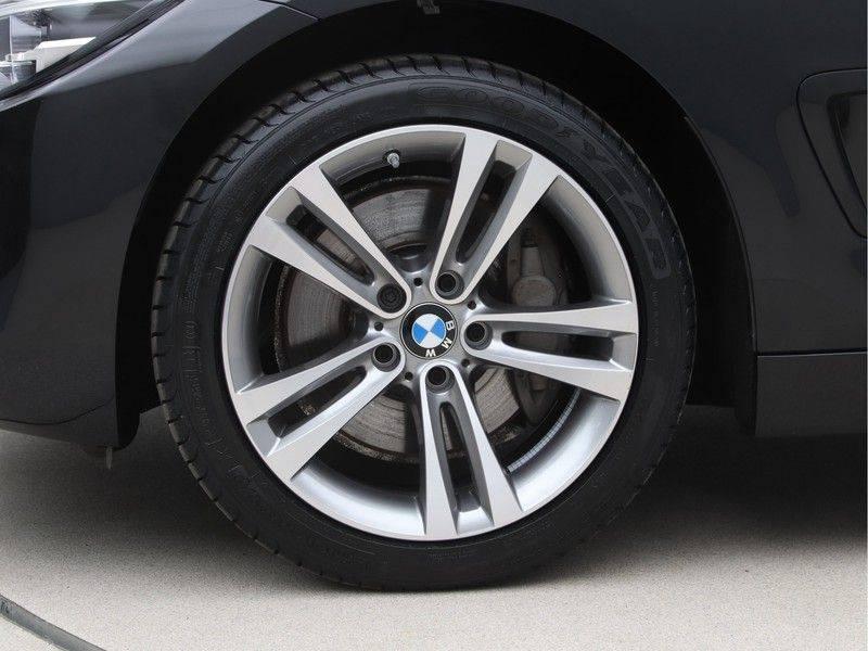 BMW 4 Serie Coupé 435d xDrive High Executive Model Sportline afbeelding 21