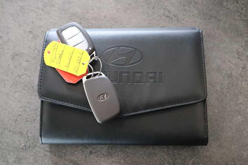 Hyundai IONIQ Comfort EV 4% Bijtelling NIEUW!! 21.116 ex. BTW Navigatie Adaptive-Cruise *tot 24 maanden garantie (*vraag naar de voorwaarden) afbeelding 18