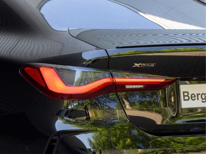 BMW 4 Serie Coupé M440i xDrive - High Executive - Dak - ACC - Harman Kardon afbeelding 2