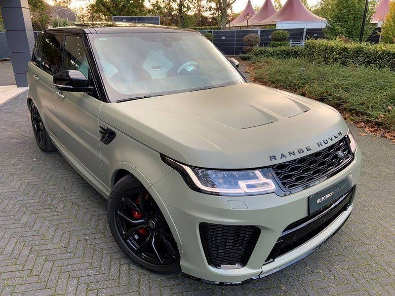 "Land Rover Range Rover Sport P575 SVR 'Solid Gloss Avocado' Carbon SVR motorkap + Drive Pro Pack + Panoramadak + 22"" + Stoelkoeling + Head-Up + Stuurwielverwarming + Carbon interieur afbeelding 3"