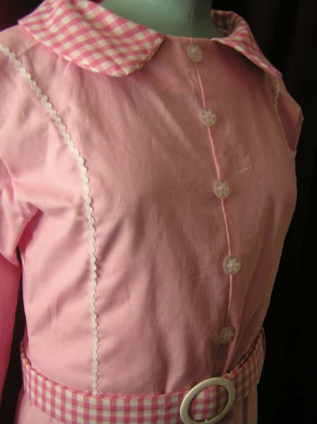 Button and trim detail