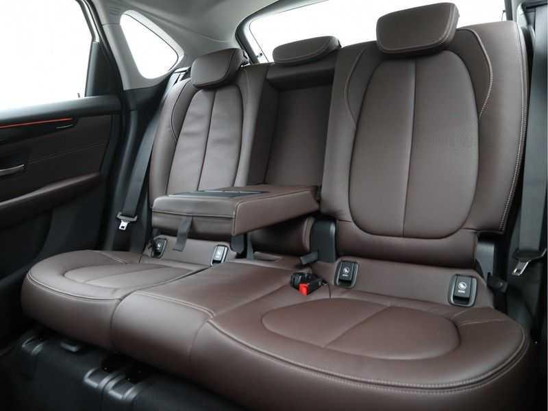 BMW 2 Serie Active Tourer 218i High Executive Luxury Line Panoramadak afbeelding 15