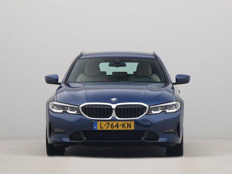 BMW 3 Serie Touring 318i Executive Edition Sport Line Automaat afbeelding 6