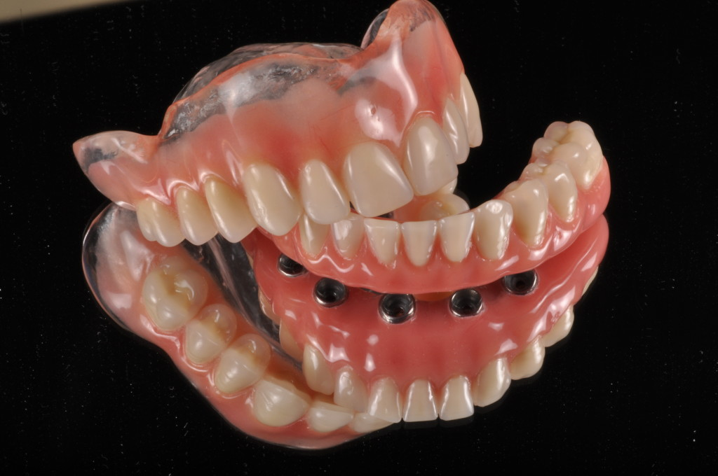 cuidado com a dentadura