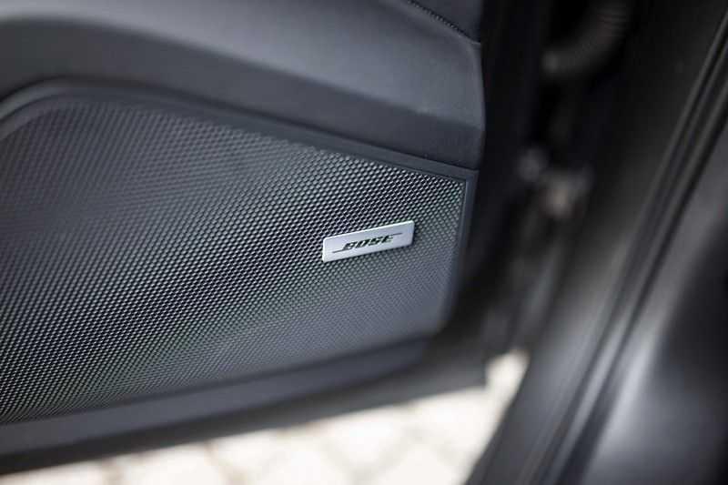 "Porsche Cayenne 3.0 E-Hybrid *Pano / BOSE / Massage / Stoelventilatie / 22"" / ACC / Sport Chrono* afbeelding 24"