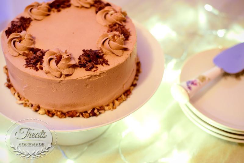 Coffee and Walnuts Sponge Cake
