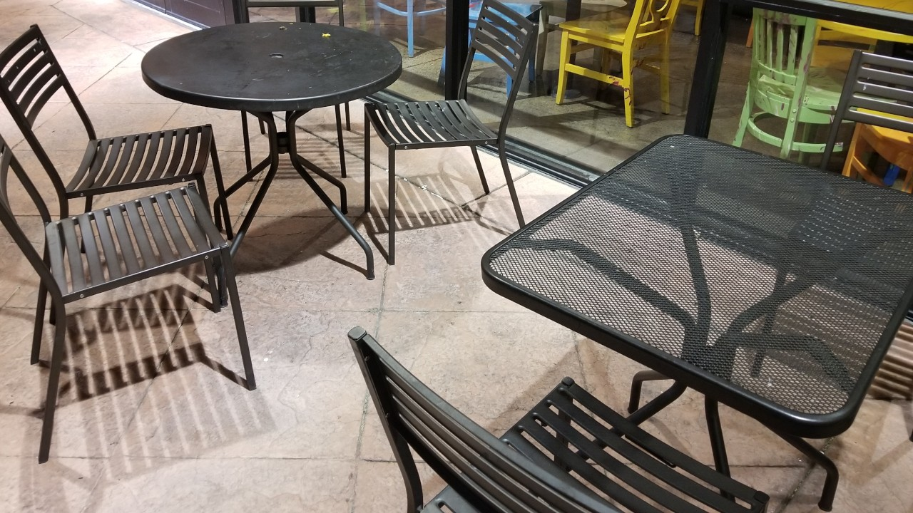pressure-washing-cafe-rio-storefront-and-siding--before-03