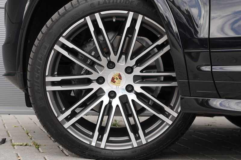 "Porsche Cayenne 3.0 D Facelift Sport Design Sportchrono + stoelen Pano 21"" afbeelding 20"