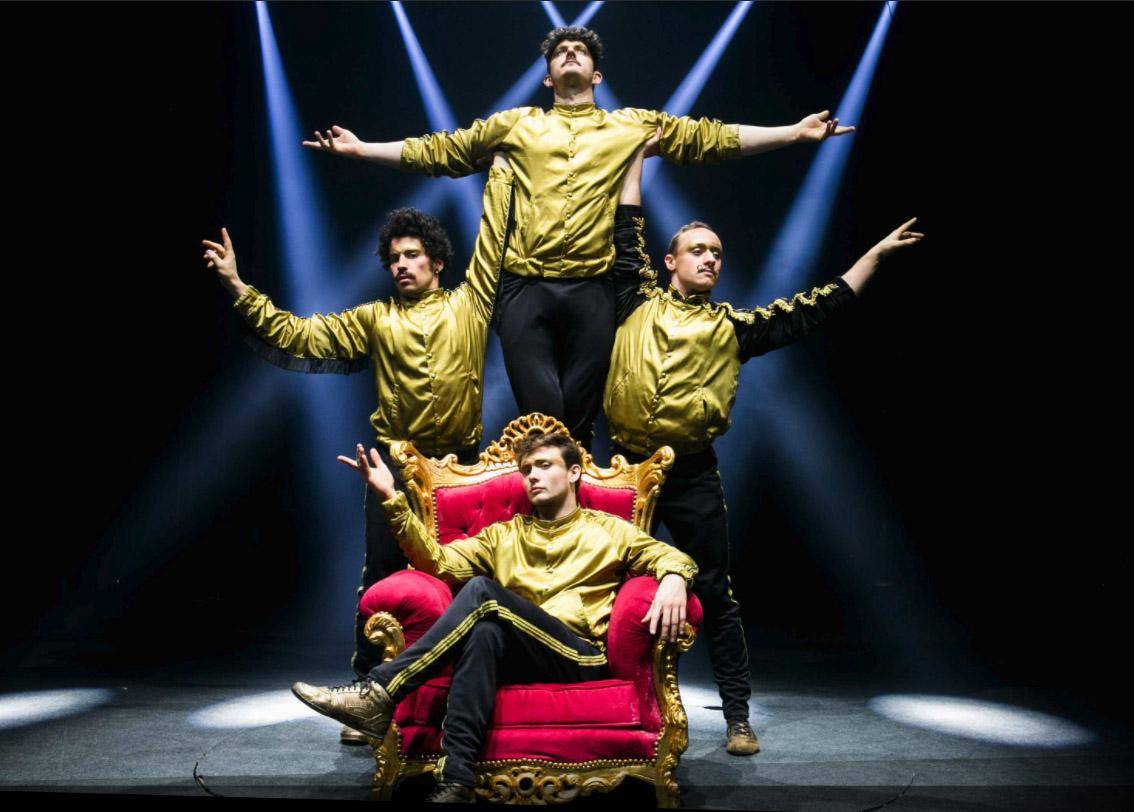 circus performers