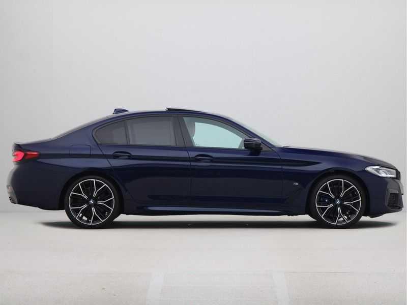 BMW 5 Serie Sedan 530i High Executive M-Sport Automaat afbeelding 9