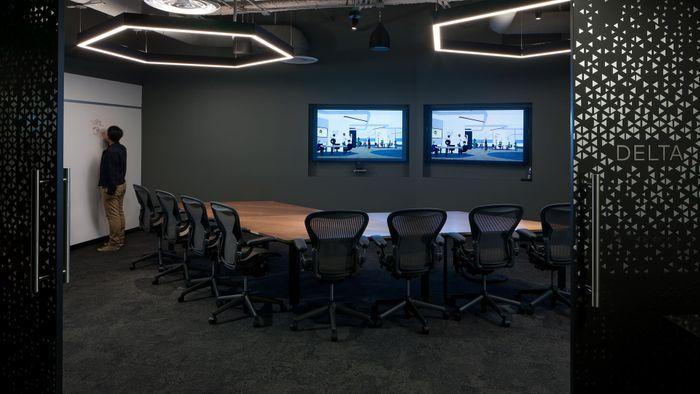 R & A, BCG, Tangram, HBC.  BCG DV El Segundo Office.  Photograph