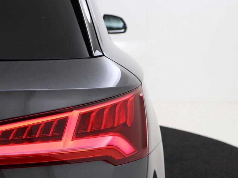 Audi Q5 50 TFSI e 299 pk quattro S edition   S-Line  Assistentiepakket City/Parking/Tour   360* Camera   Trekhaak wegklapbaar   Elektrisch verstelbare/verwambare voorstoelen   Adaptive Cruise Control   Verlengde fabrieksgarantie afbeelding 12