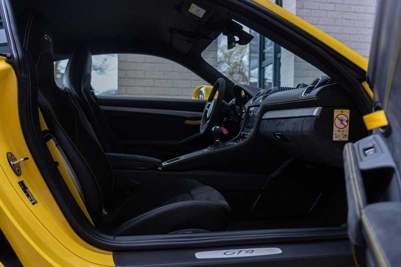 Porsche 718 Cayman GT4 4.0, 420 PK, RacingGelb, Sport/Chrono, Camera, 18/Way, 2900 KM, 2020, BTW!! afbeelding 14