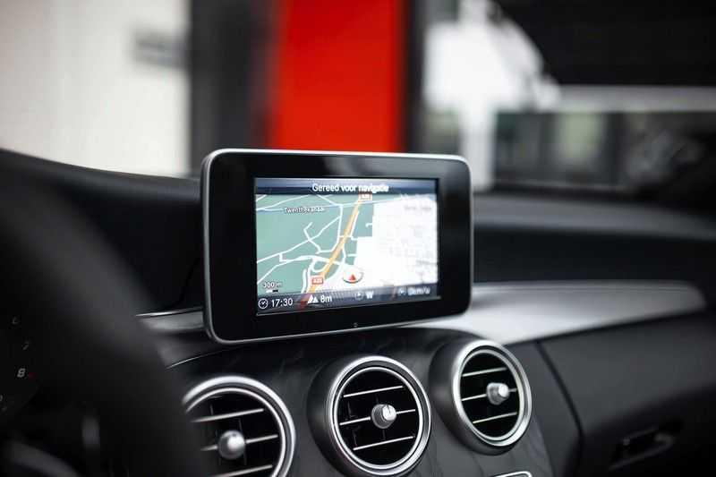 Mercedes-Benz C-Klasse Cabrio 180 Premium *AMG-Line / Airscarf / Keyless Go* afbeelding 8