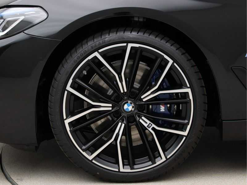 BMW 5 Serie Touring 530d High Exe M-Sport Face-lift ! afbeelding 18