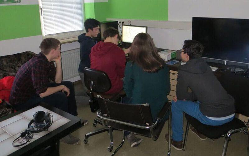 Die Crew bei der Entwicklung der Geschichte (März 2015)