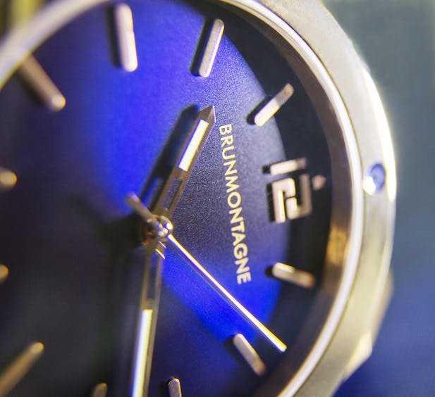 Details Representor Gold/Blue 1