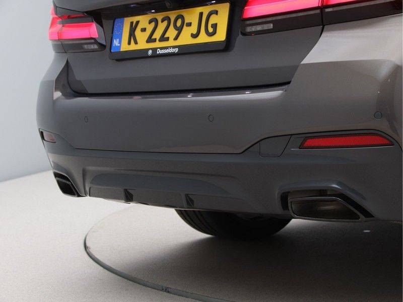 BMW 5 Serie 540i High Exe M-Sport afbeelding 21