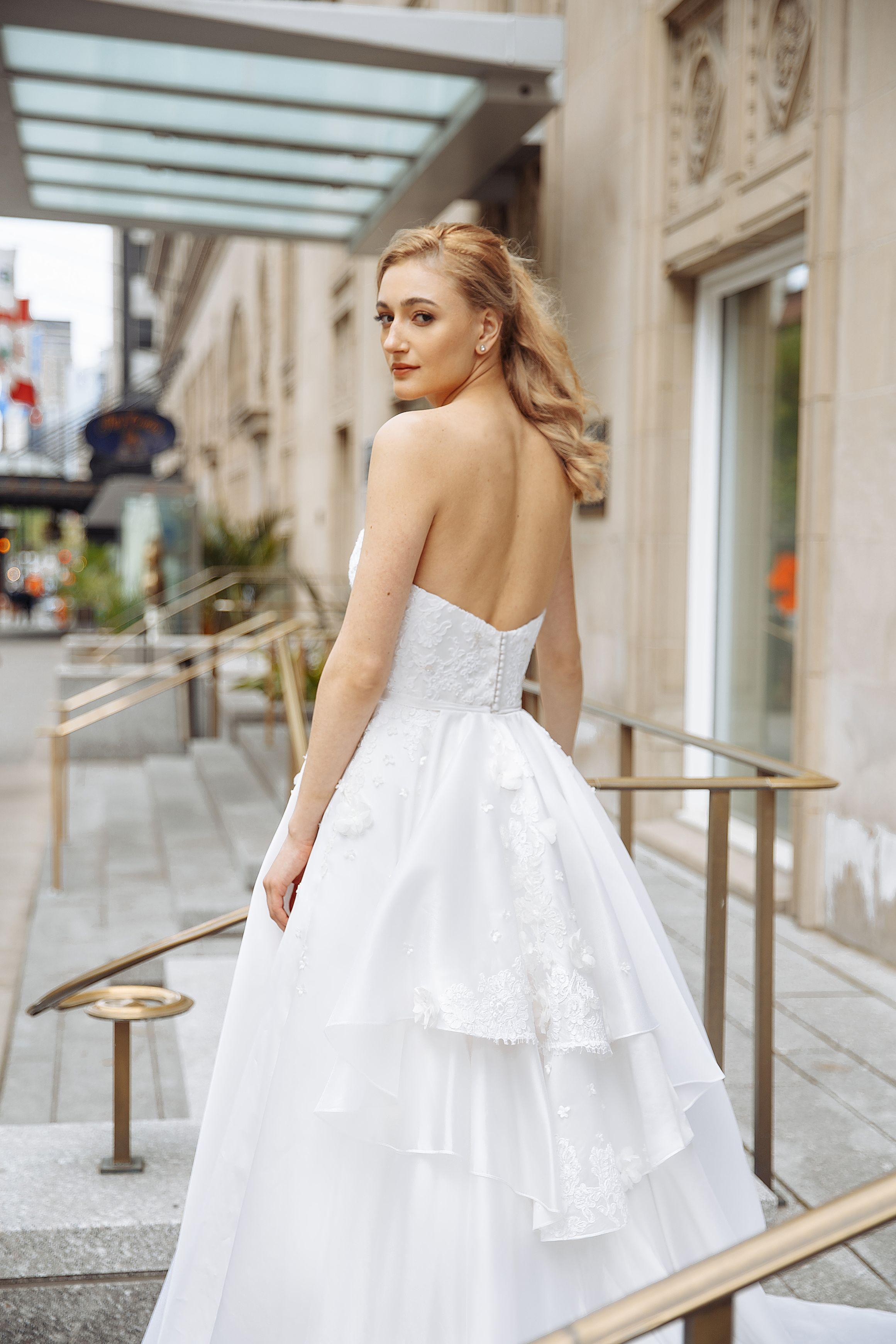 robe de mariee soleil en soie robes de noces lilia haute couture montreal