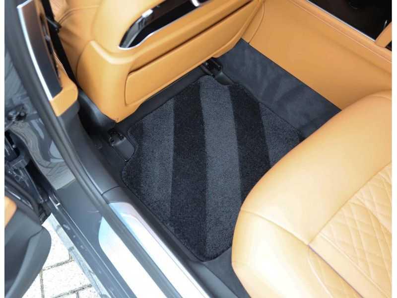 BMW 7 Serie M760Li xDrive *Dravit grey*Executive seats*Sky Lounge*Full option* afbeelding 24