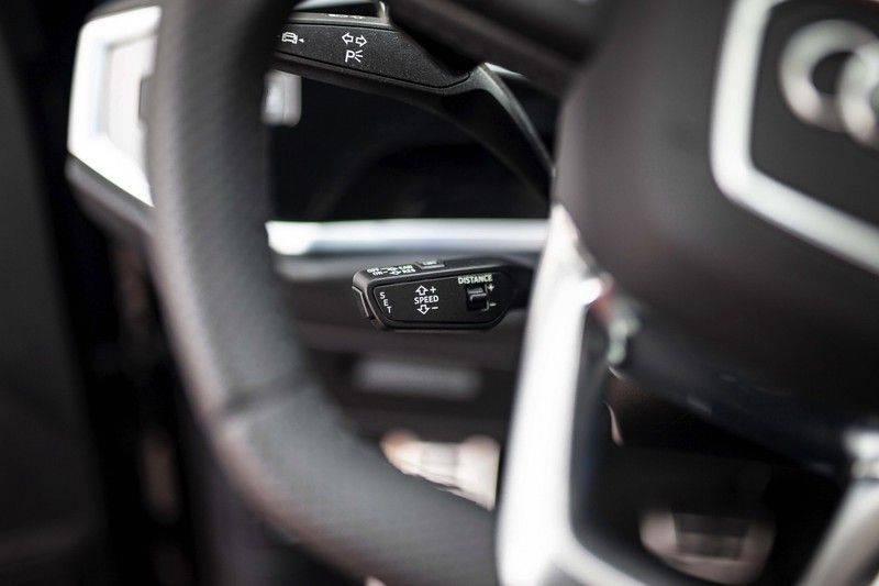 Audi RS Q3 2.5 TFSI Quattro *B&O / Pano / ACC / RS Sportstoelen / Sportuitlaat / Trekhaak* afbeelding 10