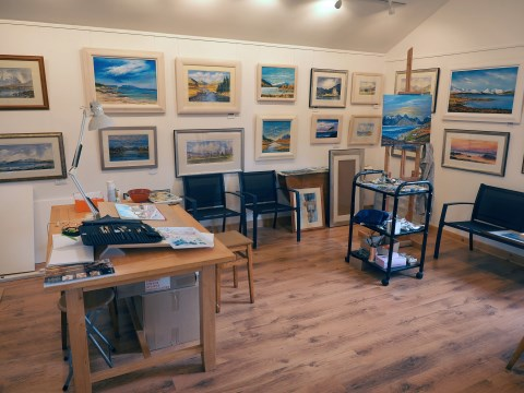 Caledon Photo Gallery is the small cosy gallery of Stewart Potter near Boat of Garten.