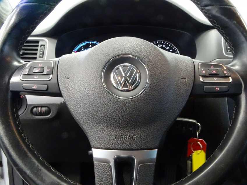 "Volkswagen Jetta 1.4 TSI Hybrid Highline Navigatie Xenon Clima Cruise 17""LM PDC Camera afbeelding 13"