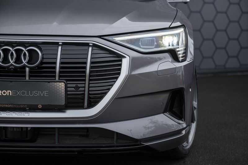 "Audi E-tron 55 e-tron quattro Advanced Pro Line S DECEMBER 2018!! € 146,- netto bijtelling pm! Head-up + B&O etc. Tot januari 2024 4% bijtelling!! Prijs inclusief 22"" velgen afbeelding 8"