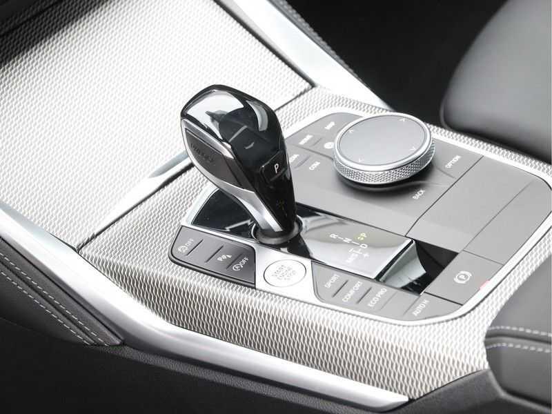BMW 4 Serie Coupé 420i High Exe M-Sport Aut. afbeelding 15