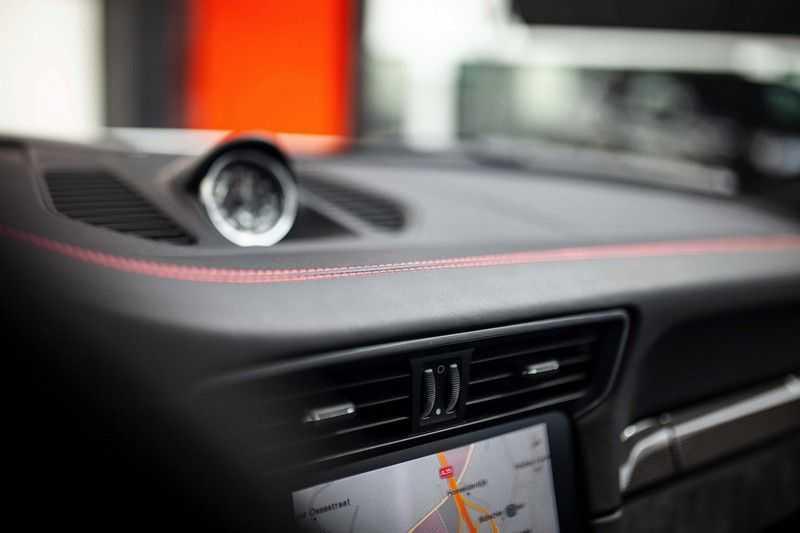 Porsche 911 Cabrio 991.2 3.0 Carrera 4 GTS *BOSE / Liftsysteem / Sport Chrono / DAB / PASM* afbeelding 15