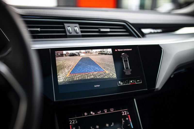 "Audi e-tron Sportback 50 Quattro S Edition *Pano / HUD / 21"" / Stad Pakket / DAB* afbeelding 14"