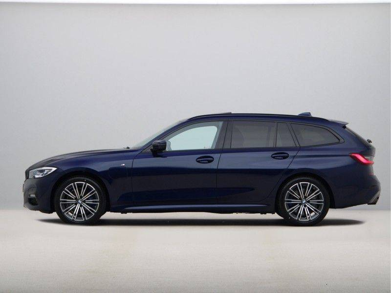 BMW 3 Serie Touring 330e xDrive High Executive M-Sport Automaat afbeelding 12