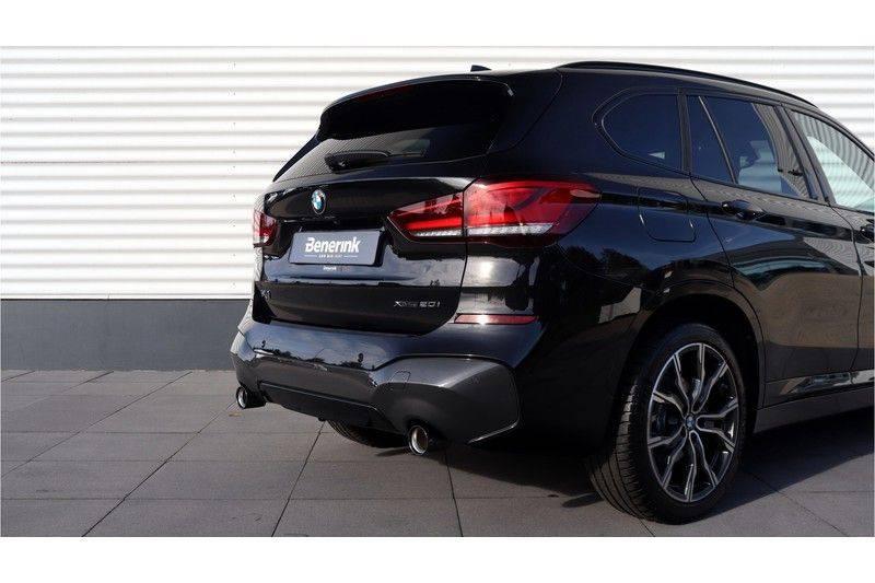 BMW X1 xDrive20i High Executive M Sport Panoramadak, Head Up Display, Trekhaak afbeelding 19