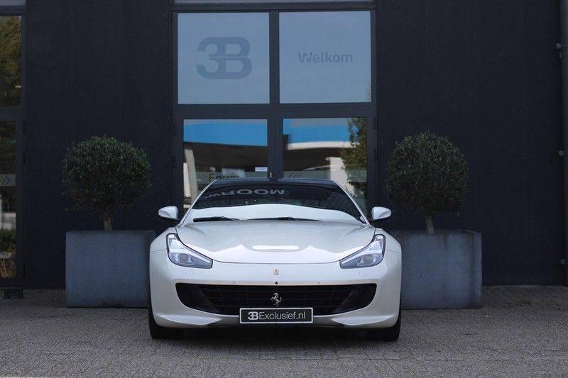 "Ferrari GTC4 Lusso 6.3 V12 2 years Ferrari warranty, HELE, Apple Carplay, Passenger Display, JBL, Pano, 20"" afbeelding 3"