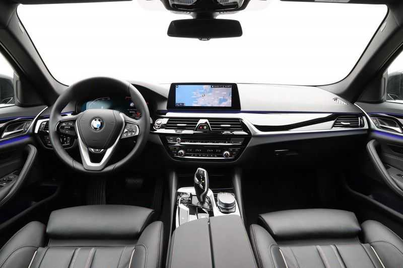 BMW 5 Serie 520i High Exe Sportline Aut. afbeelding 8