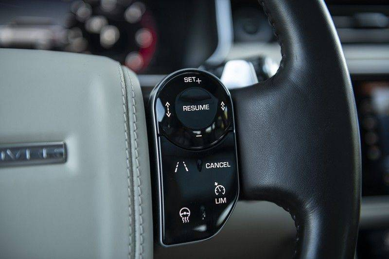 Land Rover Range Rover 3.0 TDV6 Autobiography Verwarmde Gekoelde en Massage Stoelen + Trekhaak + Adaptive Cruise Control + Head Up Display + 360 Camera afbeelding 23