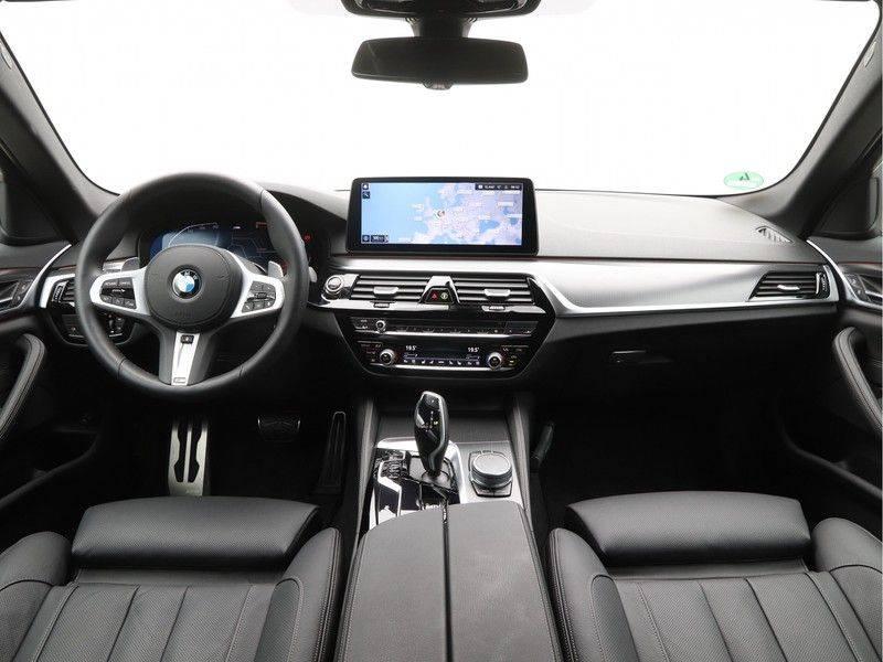 BMW 5 Serie 520d Sedan High Exe M-Sport afbeelding 13