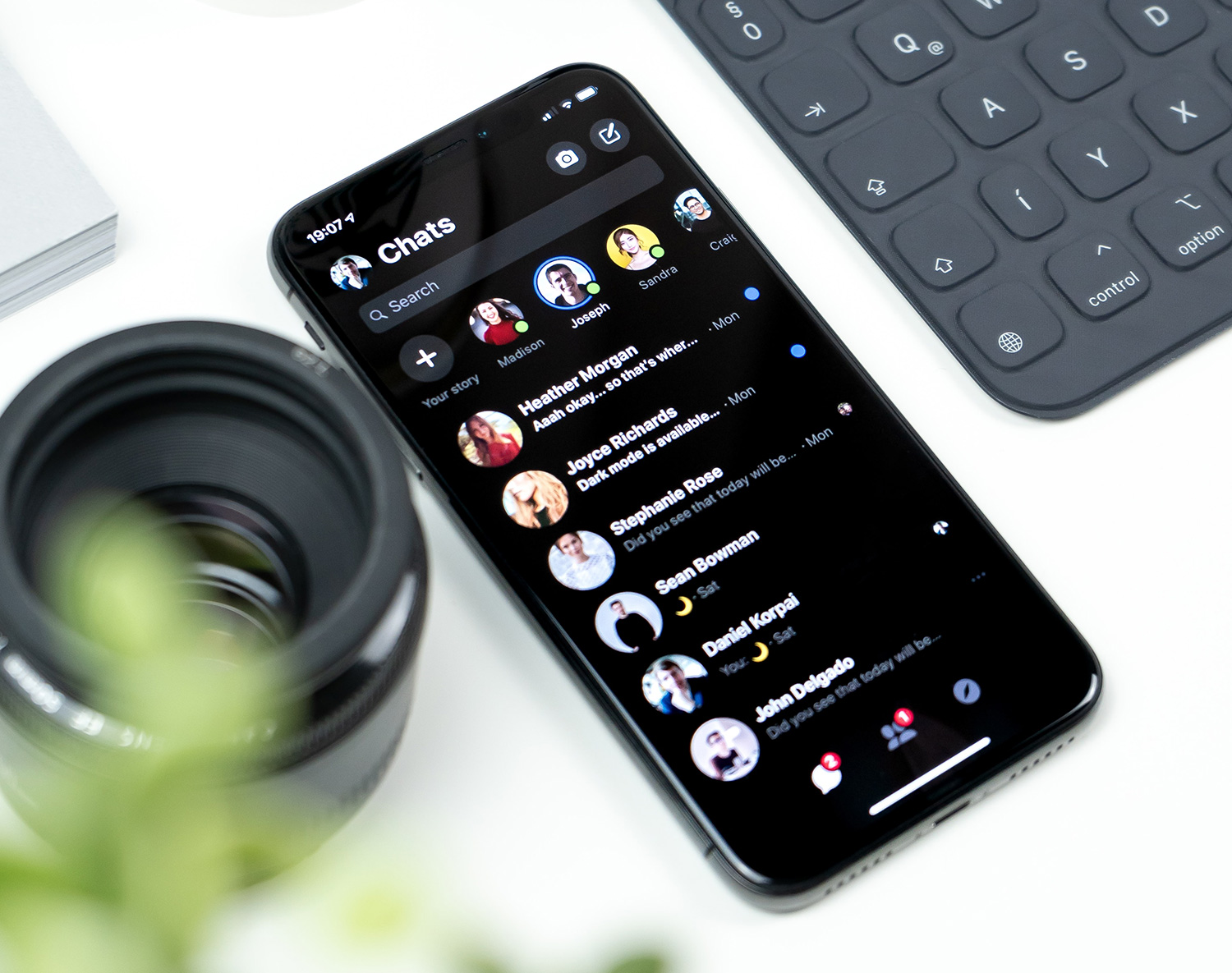 iPhone Dark mode