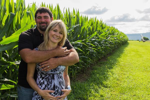 The Stork OTC Photography Pregnant Couple