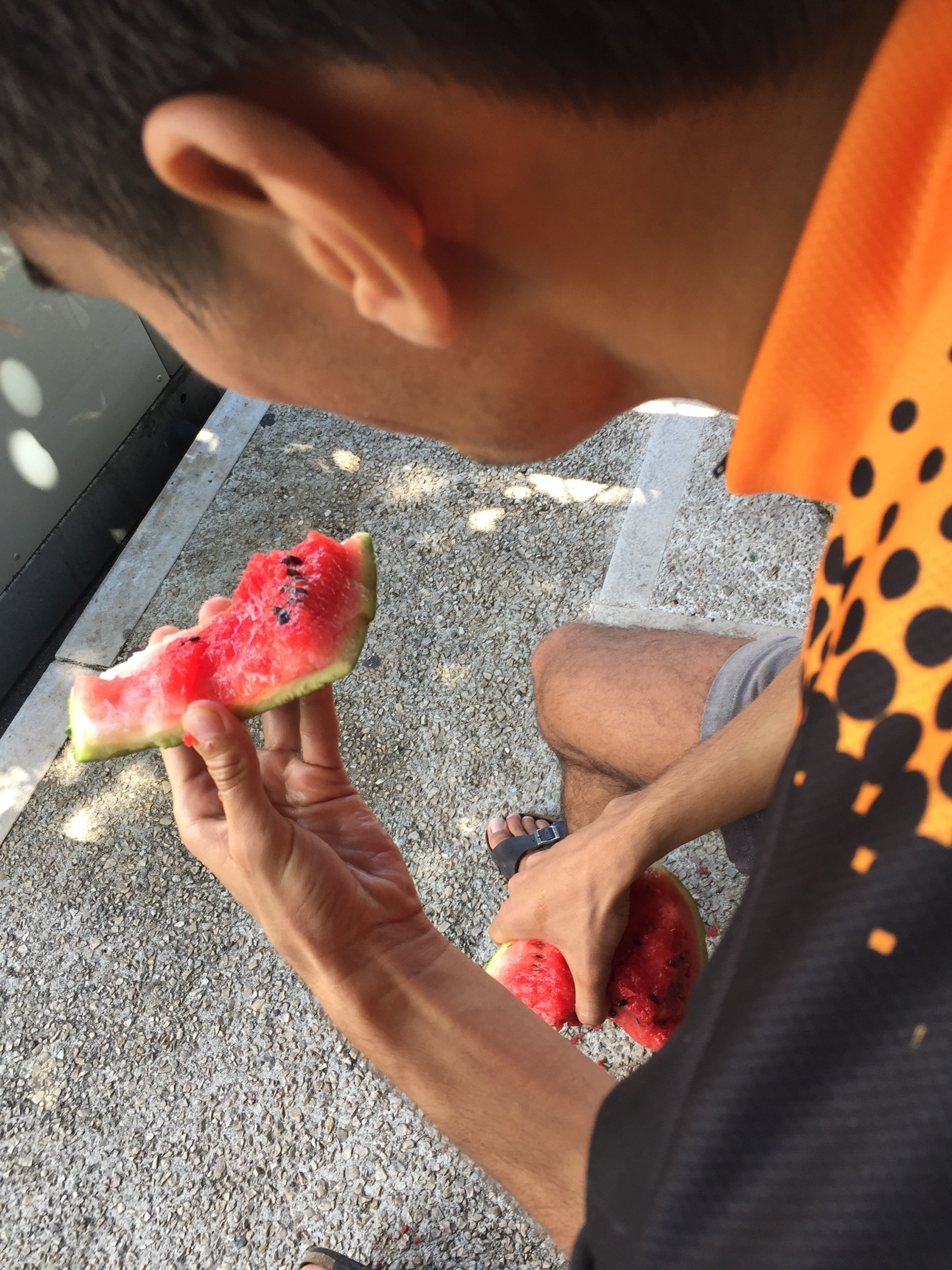 Eating one fourth of the watermellon without the knife