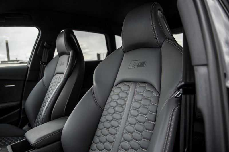 Audi A4 Avant 2.9 TFSI RS4 quattro   450PK   Style pakket Brons   Keramische remschijven   RS Dynamic   B&O   Sportdifferentieel   280 km/h Topsnelheid   afbeelding 23