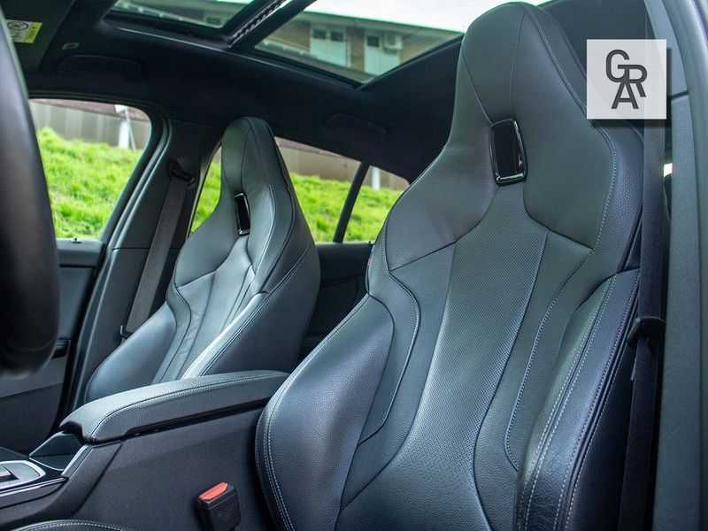 BMW 1 Serie M135i xDrive High Executive afbeelding 9